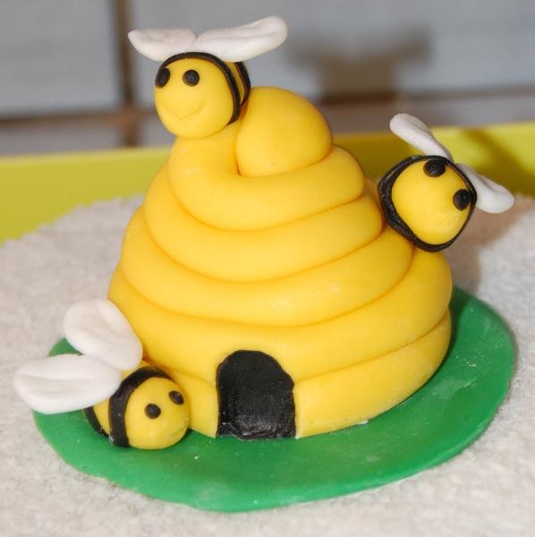 abeille et ruche - Page 2 Dsc_0418