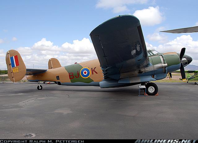 Avions de la seconde guerre mondiale - Page 2 Pv210