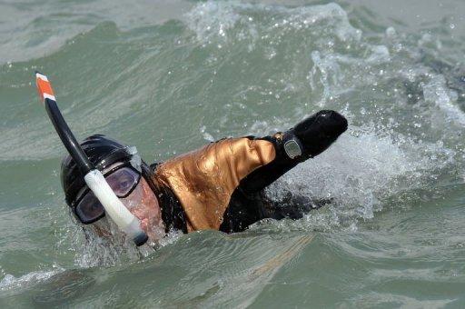 Sans bras ni jambes, il s'apprête à traverser la Manche 10084710