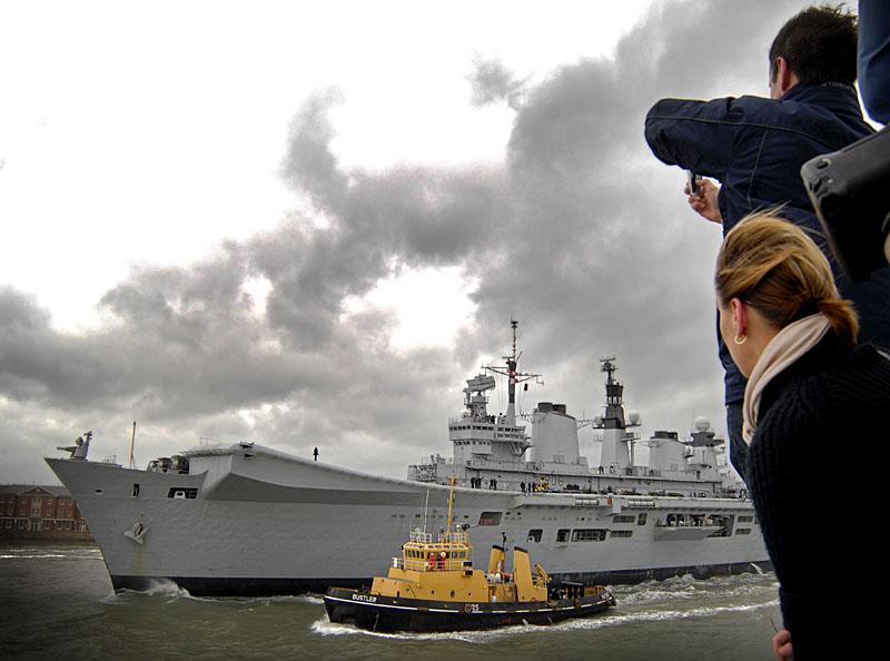 Aircraft Carriers (HMS Ark Royal & HMS Illustrious) 01_ill11