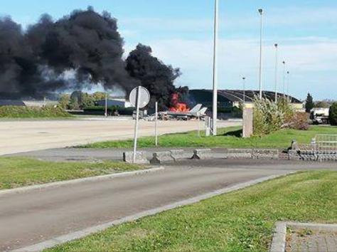 Florennes : un F-16 détruit par une explosion au sol !!! 10100211