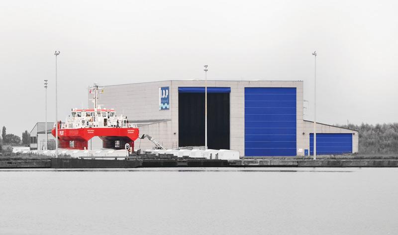 Réaménagement de la base navale de Zeebrugge - Page 3 Ds-210