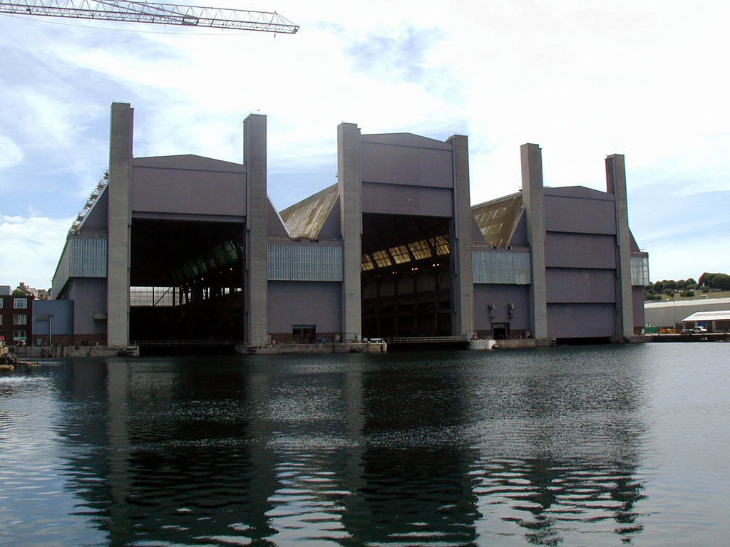 Réaménagement de la base navale de Zeebrugge - Page 3 Frigat10