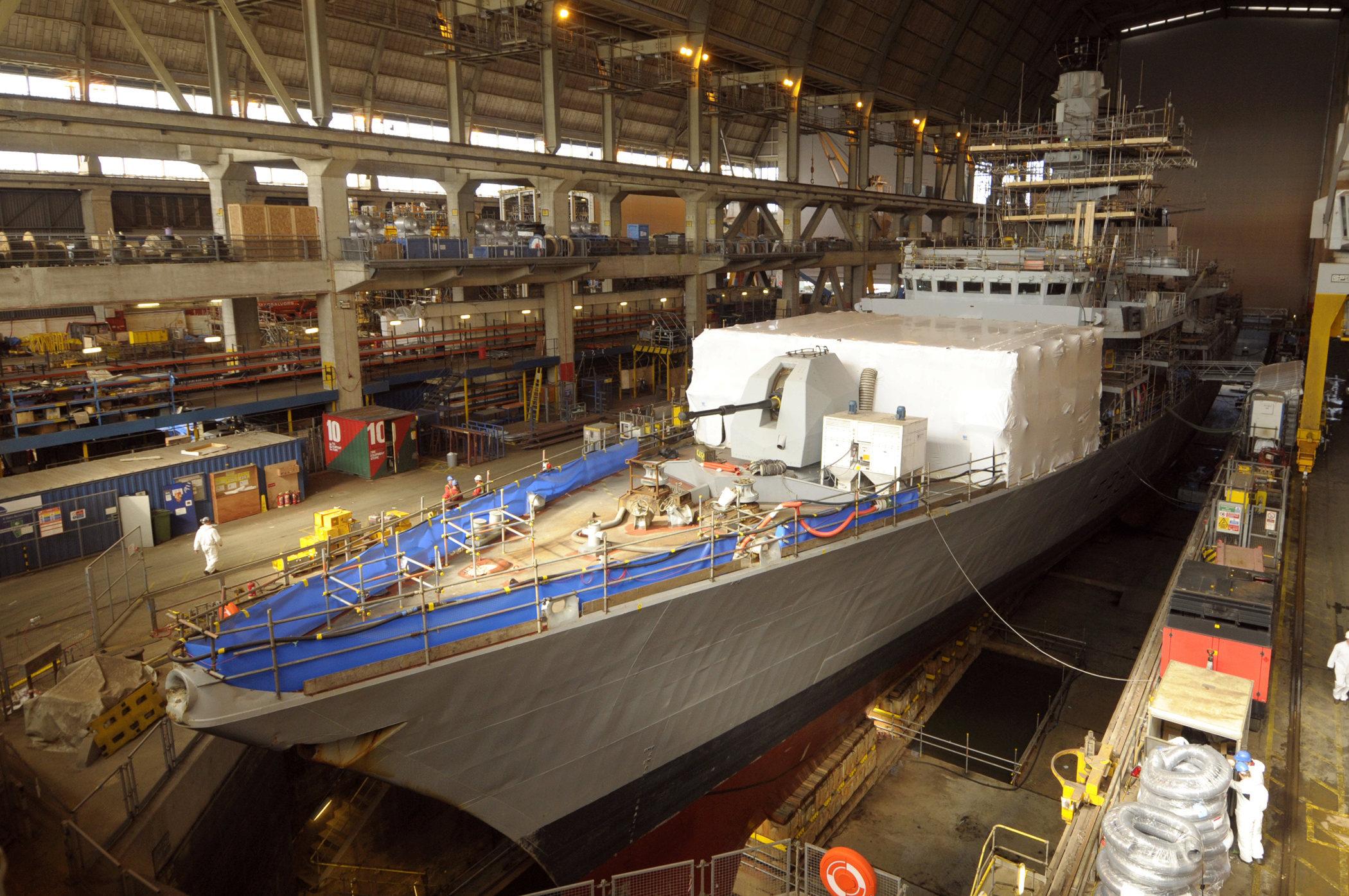 Réaménagement de la base navale de Zeebrugge - Page 3 Frigat11