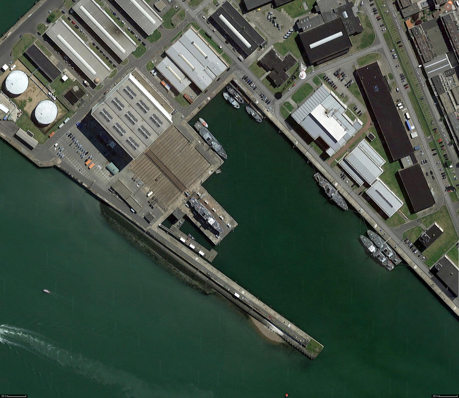 Réaménagement de la base navale de Zeebrugge - Page 2 Hangar10