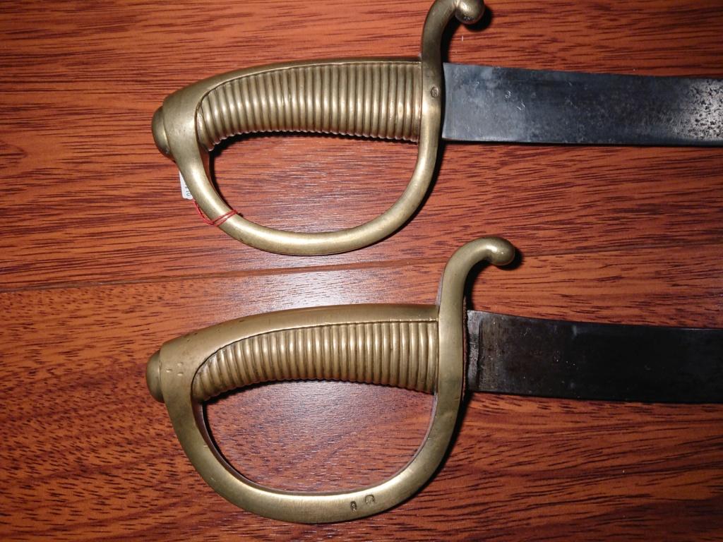 Identifier un sabre briquet 1er Empire Dsc_0842