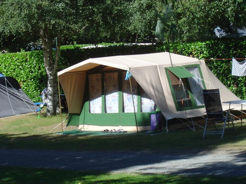 quelques tentes vues dans les pyrenées Dsc00213