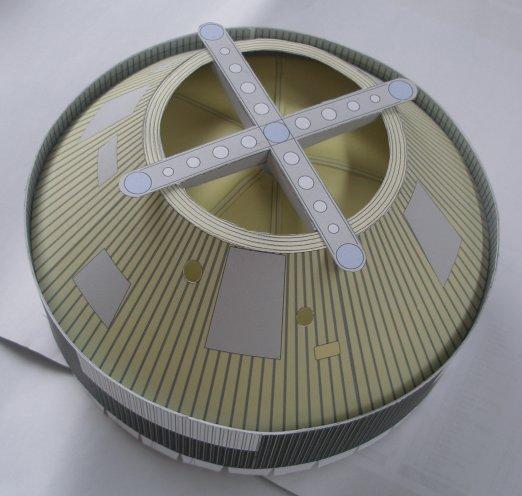 Saturn5 au 1/48 en papier P1010211
