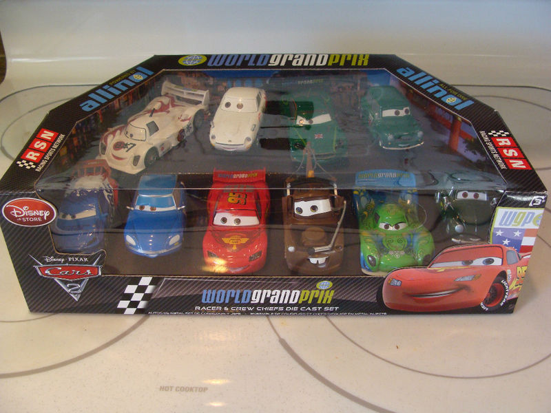 Pixar and The cars Coffre12