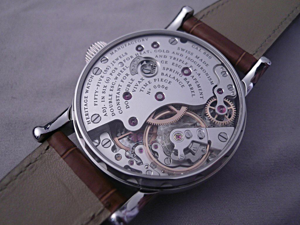 Un petit jeu: quel est le point commun entre ces 2 montres ? Ajan2012