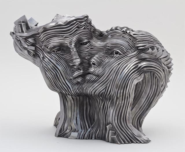 Une sculpture / un sculpteur en passant A122