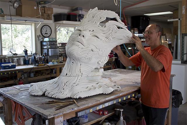 Une sculpture / un sculpteur en passant A126