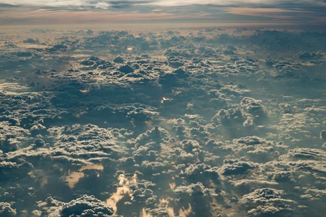 « Parfois les nuages reposent les gens d'admirer la lune » - Page 3 A134