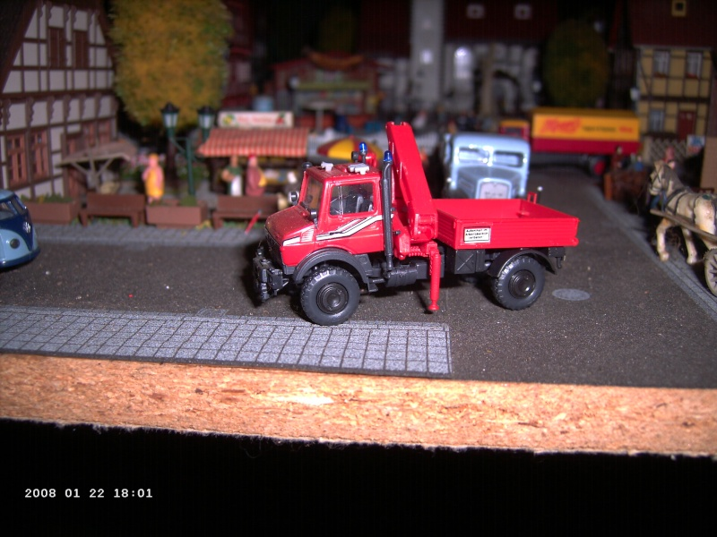 Kibri H0 - Bausatz Feuerwehrunimog mit Kran Pict1114