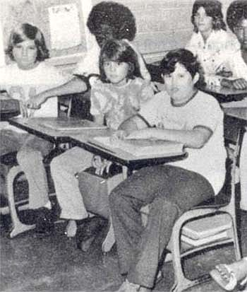 Johnny enfant/ado ou avec sa famille 1976-011