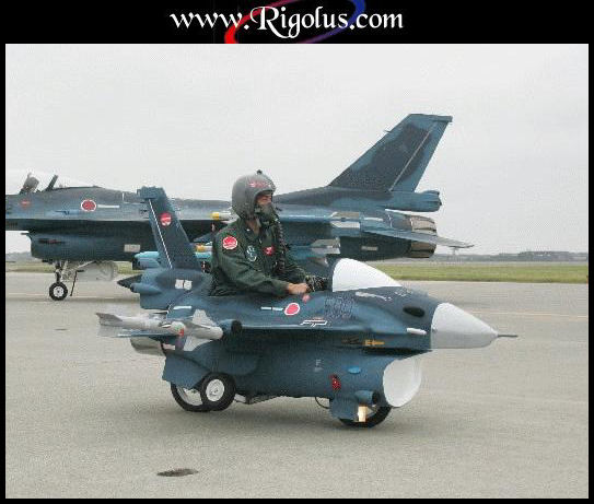 La marine suisse, ça existe, na! Avion_10