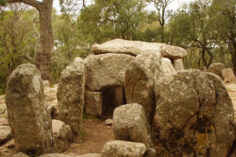 dolmen de la cova d'en Daina Dolmen11