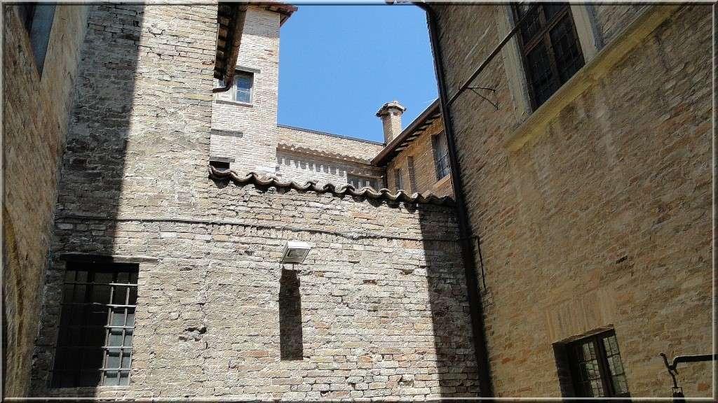 URBINO, EMILIE ROMAGNE, ITALIE - Page 2 Vu_de_10