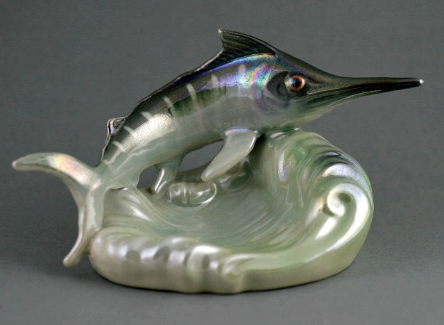 Titian Small Marlin Ashtray from the collection of doll-finz. Titian15