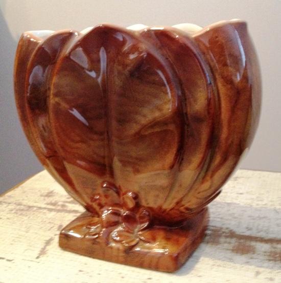 V.103 Woodgrain vase courtesy of peters V_10310
