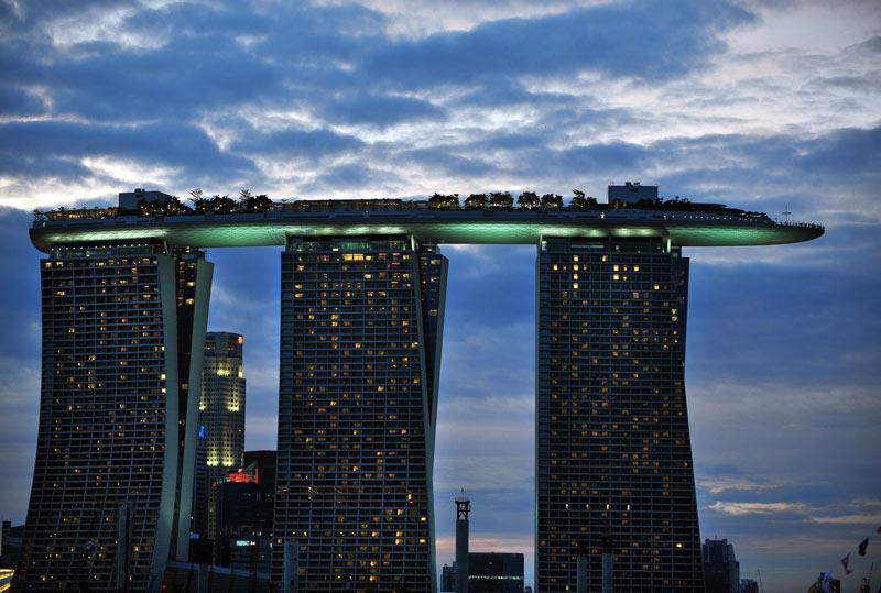 STREET VIEW : grues en pagaille à Singapour 20110110