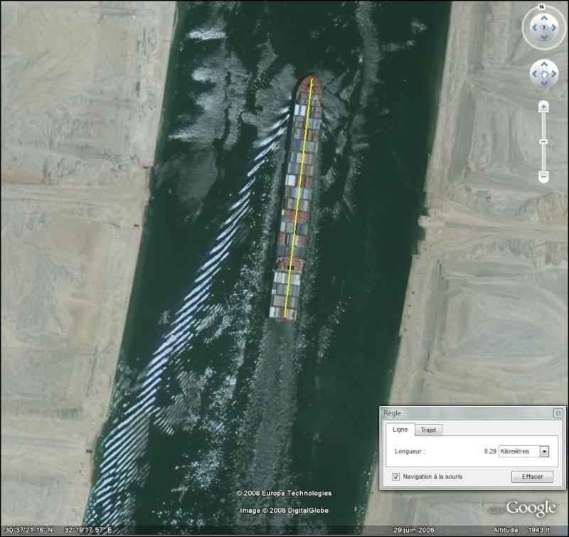 porte conteneur/container au milieu du canal du Suez Suez10