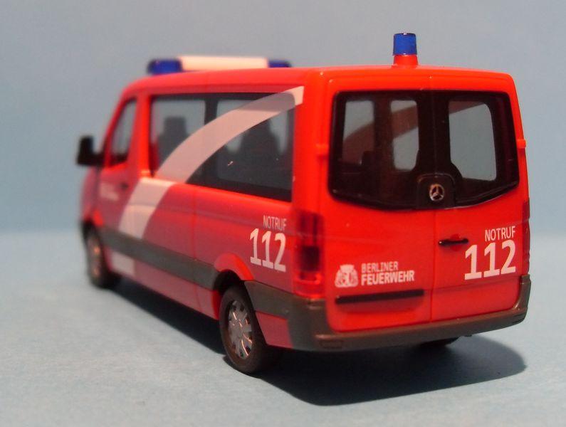 John - Meine BLAULICHTSAMMLUNG / Mercedes Sprinter als MTF 1 1:87 Sdc13013