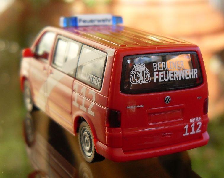 John - Meine BLAULICHTSAMMLUNG / VW T5 MTF INTERSCHUTZ 2010 M 1:87 Vw_t5_15