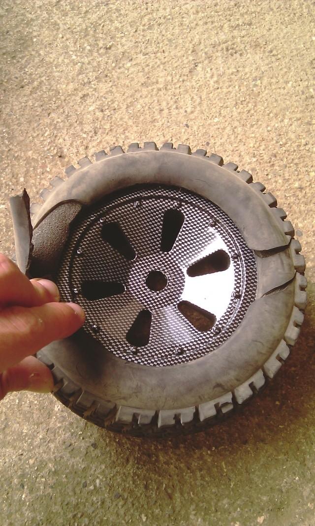 Même type de pneus que ceux d'origine - Page 2 Imag0512