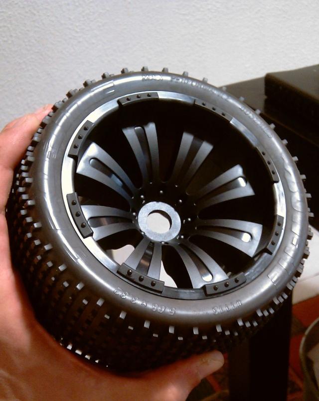 Même type de pneus que ceux d'origine - Page 3 Imag0524