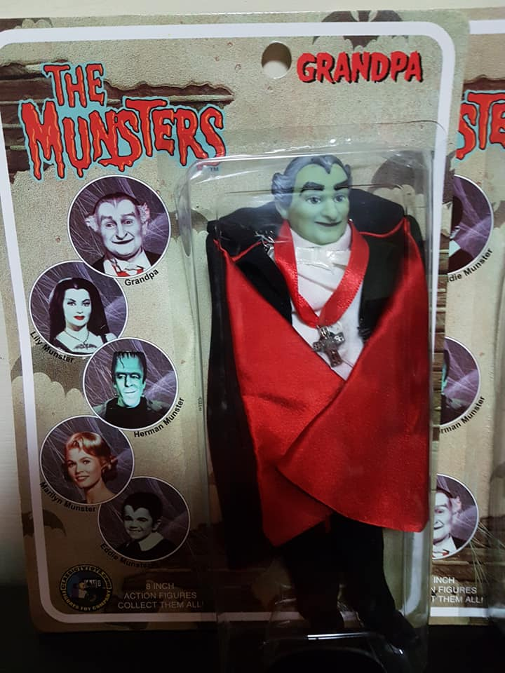 The-Munsters-Family-lotto-5-af-Herman-Grandpa-Lily-Eddie-e-Marylin-new-sealed 78431710