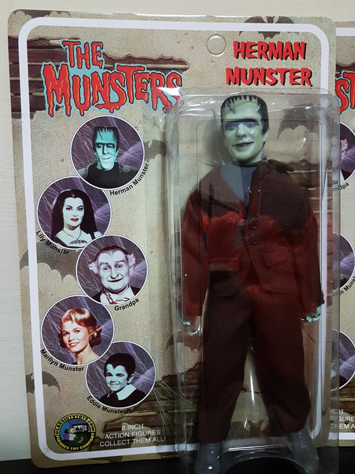 The-Munsters-Family-lotto-5-af-Herman-Grandpa-Lily-Eddie-e-Marylin-new-sealed Niketf10