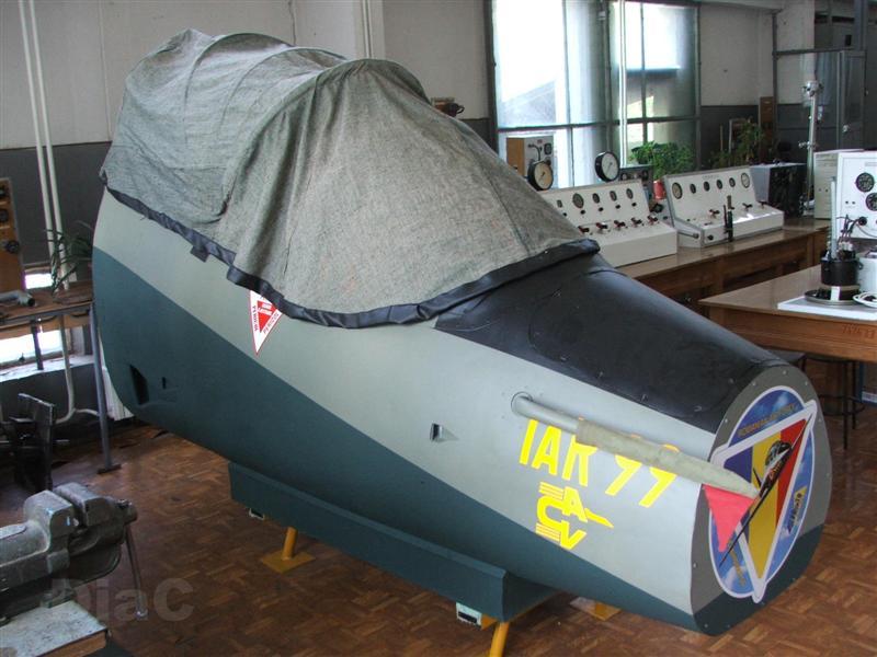 Avioanele de la Facultatea de Electrotehnica Craiova Dscf1517