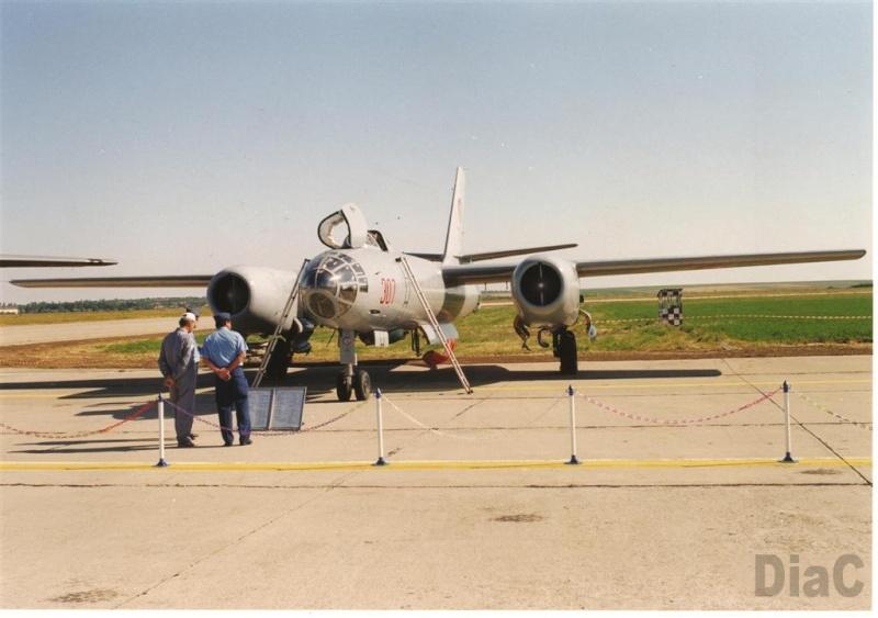 Hong H-5B/C/J in RoAF. Pictur17