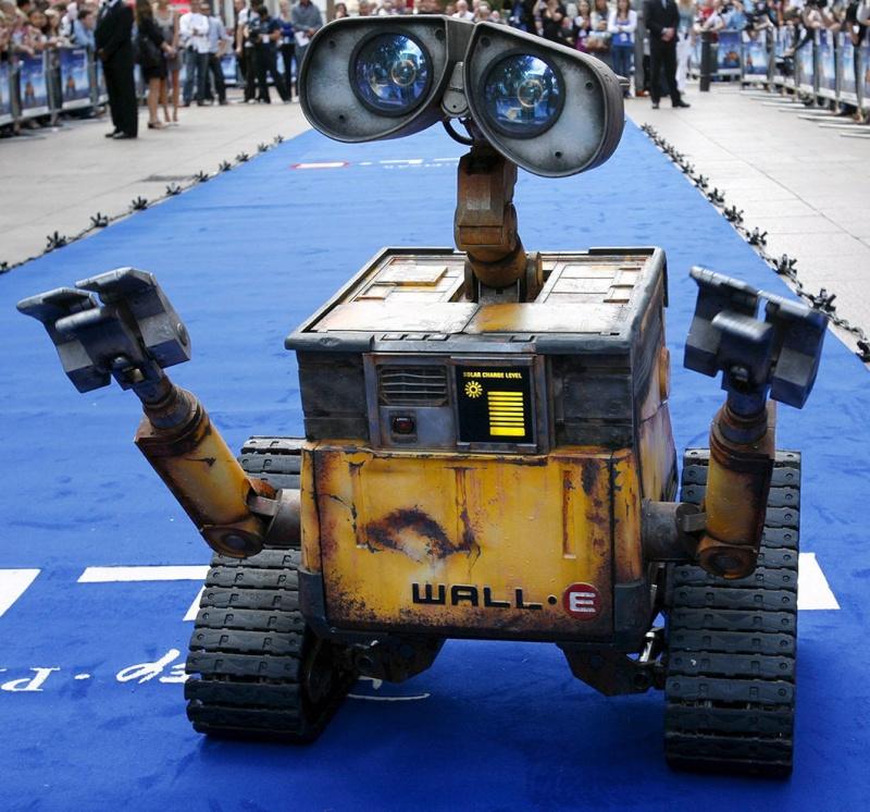 Les LIFE SIZE Wall-e10