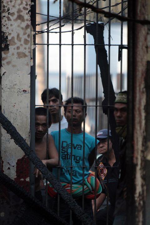 [Indonésie] - Mutinerie géante à la prison de Tanjung Gusta (Melan) 29770210