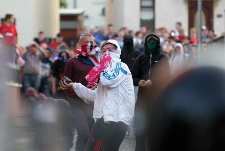 [Royaume-Uni] - Belfast 3éme nuit de violences 29839513