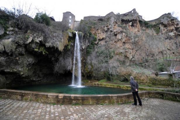 Salle-la-Source ( La guerre de l'eau fait rage à Salles-la-Source, en plein cœur de l'Aveyron) Articl10