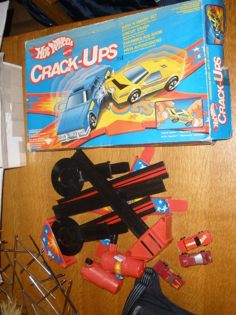 Les crack ups d' HOT WHEELS P1010036