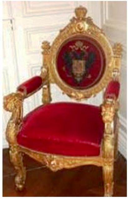 Exposition « Trônes en majesté, l'autorité et son symbole » - Page 5 Mm10