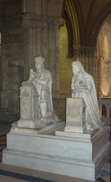 monument funéraire de Marie-Antoinette à Saint-Denis P1010713