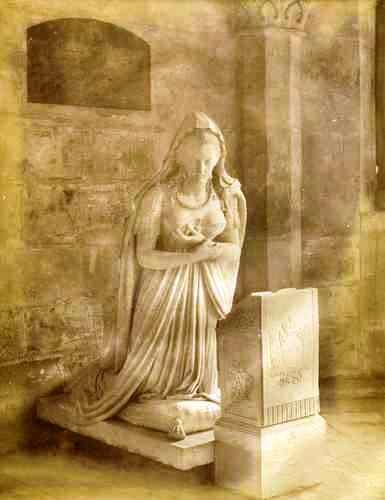 monument funéraire de Marie-Antoinette à Saint-Denis T2ec1611