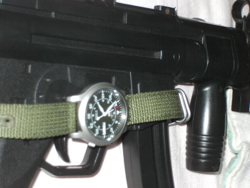 Quelle montre pour Lara CROFT Dsci0111