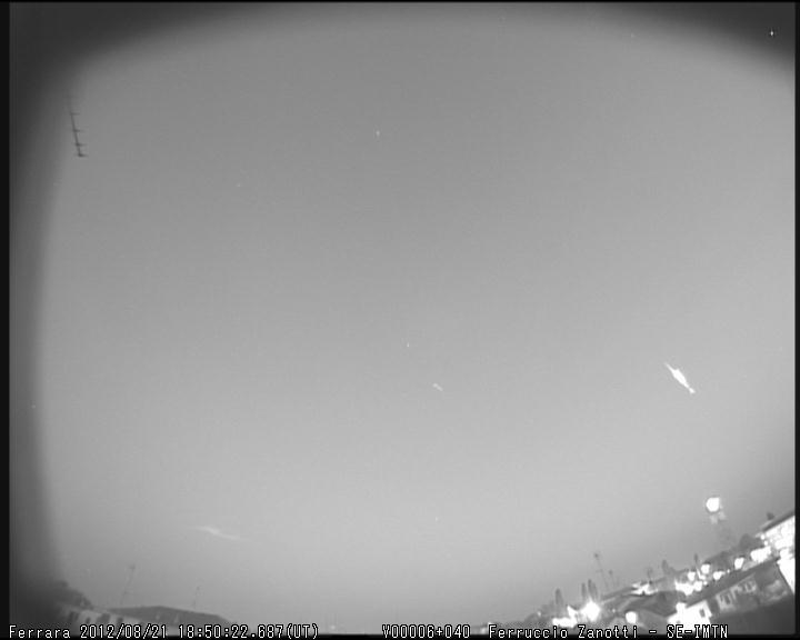 fireball  2012.08.21  18.50.22 UT crepuscolare M2012101