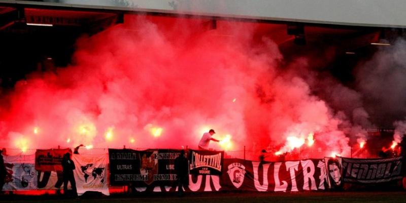 Ultras Choreos (Pyro, Flags, Smokes) Svas-p14