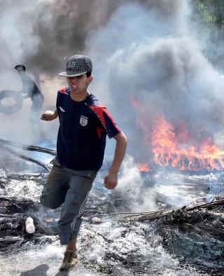 Des émeutes éclatent à travers tout le territoire nationale   Emeute11