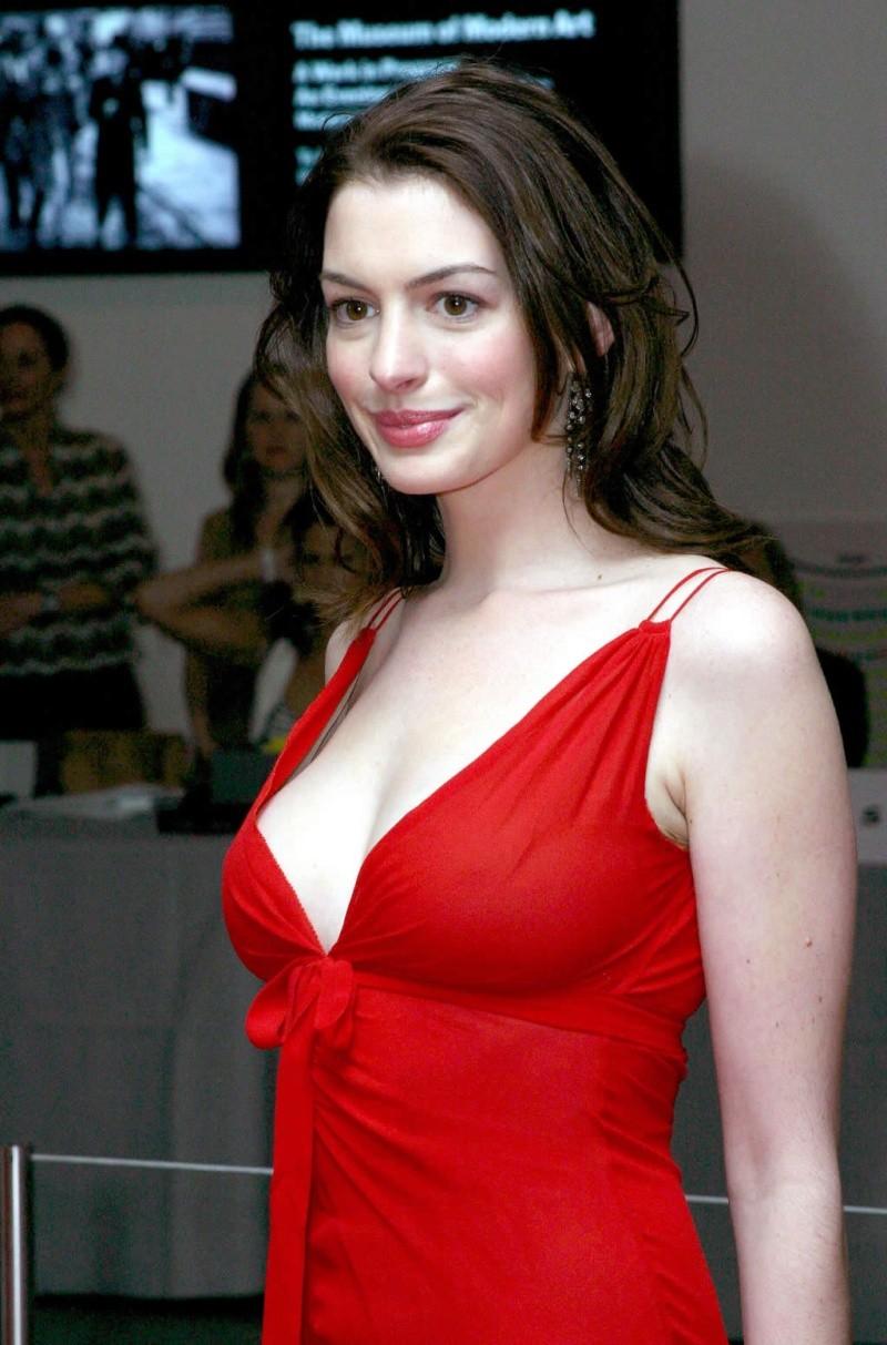 Anne Hathaway! Anneha10