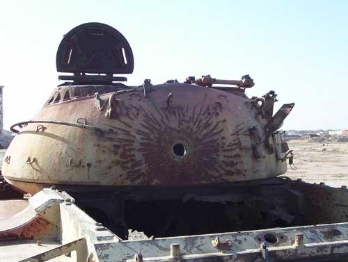 T-62 irakien (kit récuperé !!!!) - Page 2 Tank2010