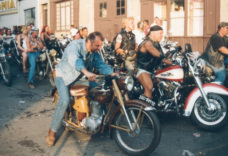 FREE WHEELS - Bike & Car Show - Rock Festival Free1010