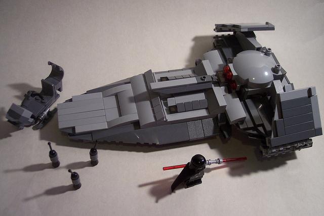 Sith Infiltrator Set 7663 Rebuild CABGO Phase IV Si110